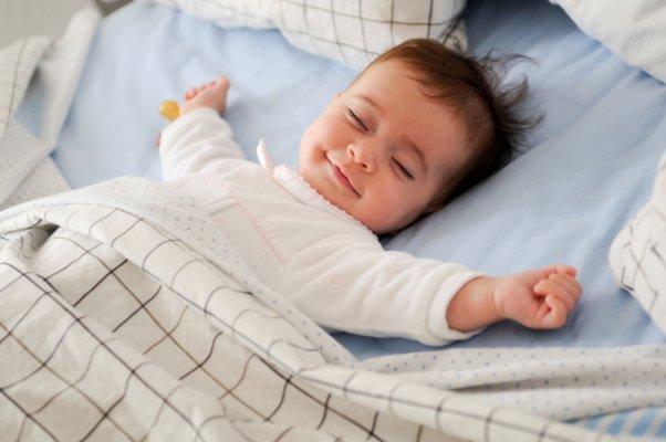 mejor-postura-dormir-bebe